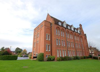 Salisbury Close, Crewe CW2. 2 bed flat for sale