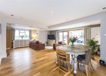 3 bed property for sale in Earlsfield Road, London SW18