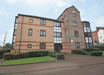 Thumbnail 1 bed flat to rent in Rose Walk, Reading, Berkshire