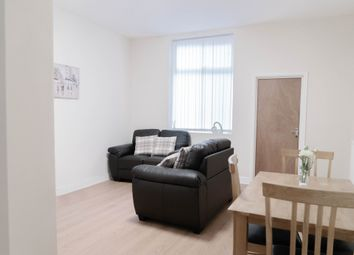 Thumbnail Room to rent in Hollins Road, Oldham