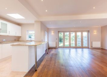 4 bed property to rent in Babington Road, Streatham, London SW16