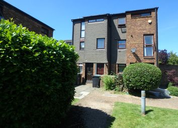 2 bed maisonette to rent in The Glades, Gravesend DA12