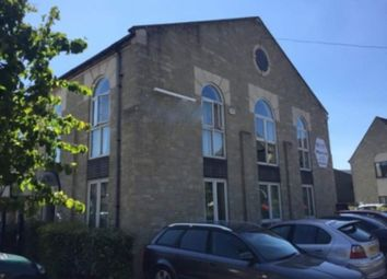 Serviced office to let in Avenue Four, Witney OX28