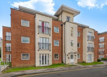 2 bed flat to rent in Bronte Close, Slough Town Centre SL1