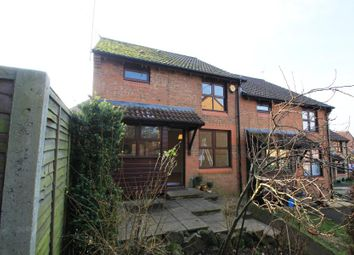 Thumbnail 1 bed property to rent in Rowhurst Avenue, Addlestone