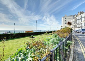 Thumbnail 1 bed flat to rent in Royal Crescent, Brighton