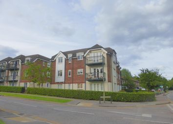 Thumbnail 2 bed flat to rent in Canonsfield Road, Welwyn