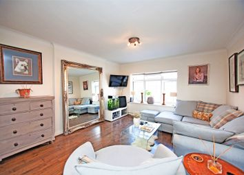 2 bed flat for sale in Finchley Road, London NW11