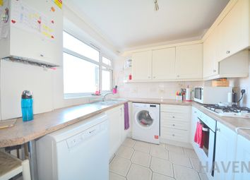 Thumbnail 2 bed flat to rent in Nether Street, Finchley, London