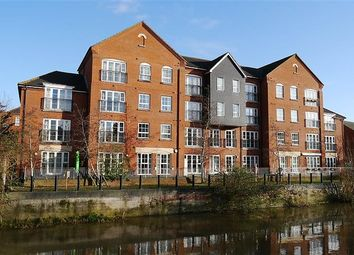 2 bed flat to rent in Hunters Wharf, Katesgrove Lane, Reading RG1