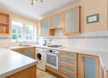 3 bed terraced house to rent in Stanley Road, Sutton SM2