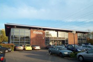 Thumbnail Office to let in The Waterfront, Borehamwood