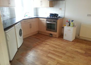 Thumbnail 2 bed flat to rent in Sydenham Road, East Croydon, Croydon
