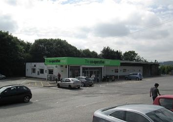 Thumbnail Retail premises to let in Rhosymedre, Wrexham