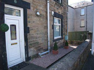 Thumbnail 2 bed flat to rent in Church Street Kirkcaldy, Fife