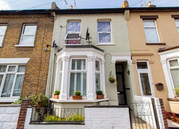 2 bed flat for sale in Napier Avenue, Southend-On-Sea SS1