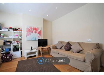 3 bed terraced house to rent in Boundaries Road, London SW12