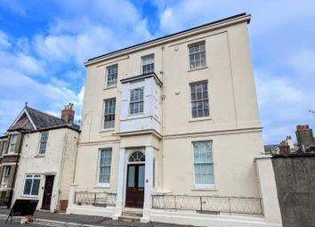 Spencer Road, Ryde PO33. 2 bed flat for sale