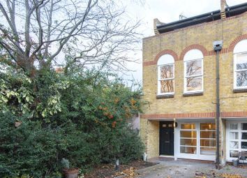 Thumbnail 2 bed property for sale in Eagle Mews, London