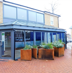 Thumbnail Leisure/hospitality to let in Bligh's Walk, Sevenoaks