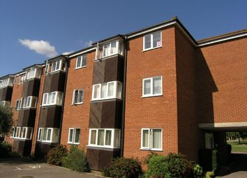 2 bed maisonette to rent in St Andrews Gardens, Colchester, Essex CO4