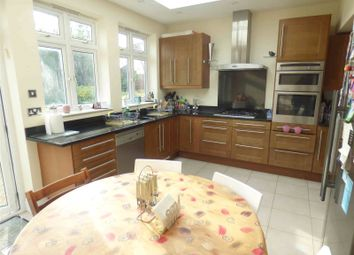 5 bed semi-detached house to rent in Hillside Grove, London NW7
