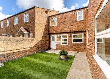 2 bed maisonette to rent in Firs Close, Forest Hill, London SE23