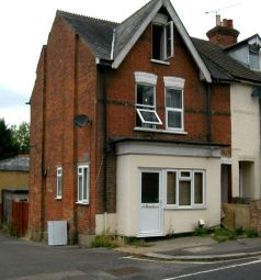 Thumbnail 1 bed flat to rent in York Road, Aldershot