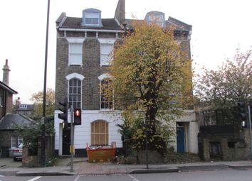 Thumbnail 2 bedroom flat to rent in Tollington Road, London