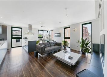 Thumbnail 2 bedroom flat for sale in Lavender House, Aldgate, London