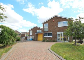 Pollards Drive, Horsham, West Sussex RH13. 4 bed detached house