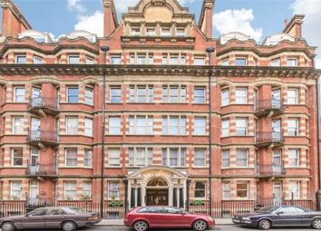 Thumbnail 3 bed flat to rent in Clarence Gate Gardens, Glentworth Street