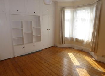 Thumbnail 1 bed flat to rent in Montague Road, Hounslow