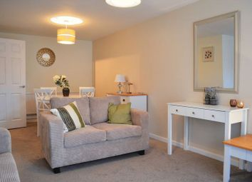 Thumbnail 2 bed flat to rent in Hernes Close, Oxford