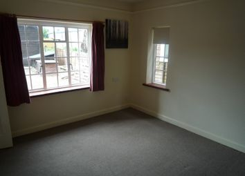 Thumbnail Studio to rent in Hazlemere Cross Roads, Hazlemere, High Wycombe