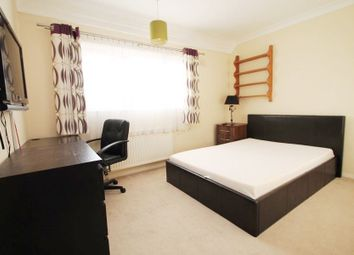 Thumbnail Room to rent in Cranford Close, Stanwell, Staines