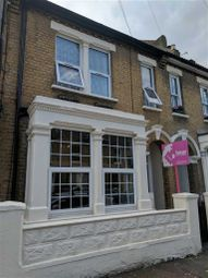 Thumbnail 1 bed flat to rent in Gordon Road, Southend On Sea, Essex