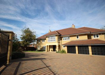 Thumbnail 6 bed detached house to rent in Hammondswick, Harpenden
