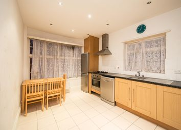 Thumbnail 2 bed flat to rent in Golders Green Rd, Gloucester Gardens London