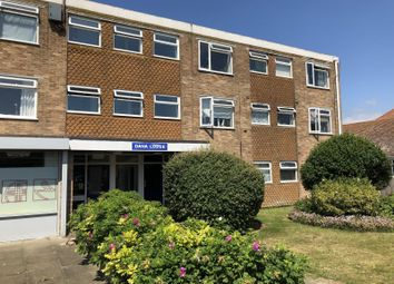 Thumbnail Studio to rent in Central Avenue, Peacehaven