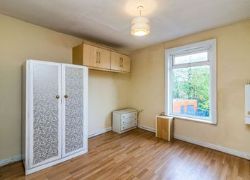 2 bed flat to rent in Langsett Road, Sheffield S6
