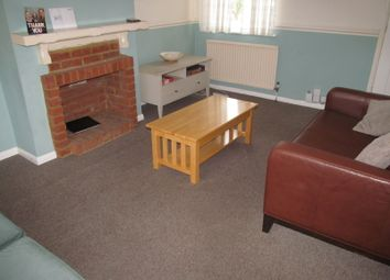 3 bed terraced house to rent in Hazel Crescent, Reading RG2