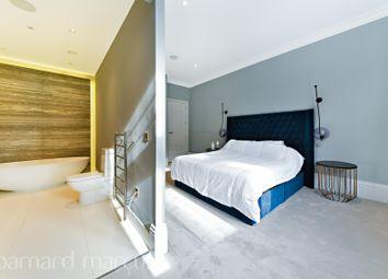 Thumbnail 3 bedroom flat to rent in Tavistock Street WC2E,