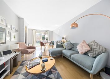 Alders Close, London E11. 2 bed flat