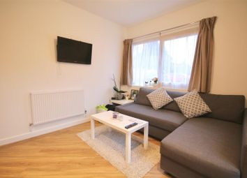 Thumbnail 2 bedroom flat to rent in Wickham Road, Fareham
