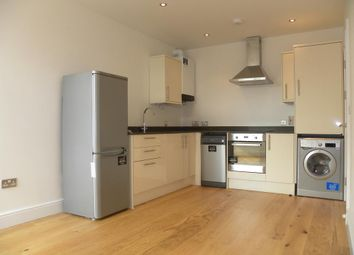 Thumbnail 1 bed flat to rent in Kings Court Apartments, 10 Rope Walk Gardens, London