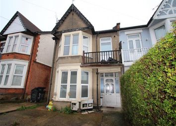 Satanita Road, Westcliff-On-Sea SS0. 1 bed flat