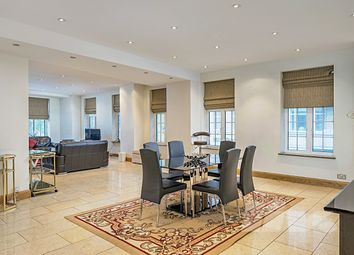 Thumbnail 4 bed flat to rent in Aldford House, Park Street, Mayfair