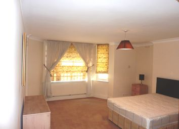 Thumbnail 3 bed flat to rent in Porchester Gardens, Bayswater