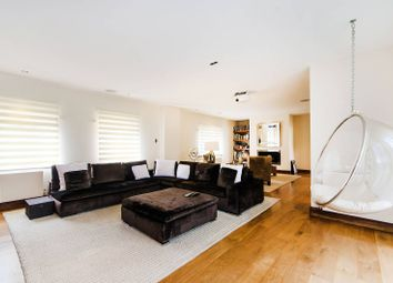 Thumbnail 5 bed detached house to rent in Elms Road, Harrow Weald